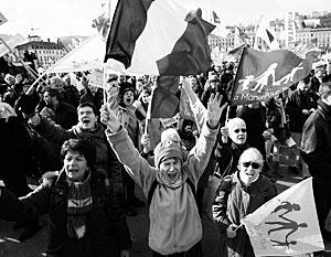 Полмиллиона французов вышли на улицы защищать традиционные семейные ценности