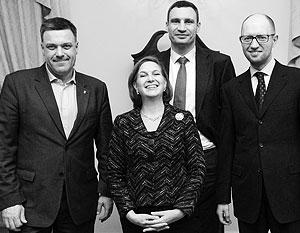 Из трех лидеров Майдана Виктории Нуланд, как оказалось, больше всего нравится Арсений Яценюк (справа)