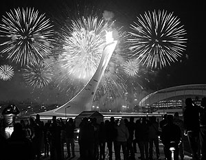 Зажжение олимпийского огня в Сочи не осталось незамеченным в мире
