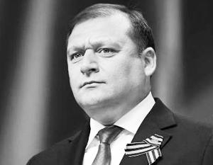 Имиджем радикального противника Майдана Добкин заручился еще в самом начале политического кризиса