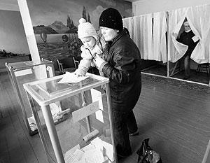 По мнению наблюдателей, жители Крыма использовали уникальную возможность высказать точку зрения о том, каким они видят свое будущее