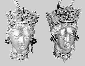 Золото скифов представляет огромную художественную ценность, эти серьги датируются 350 годом до н. э.