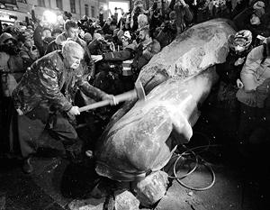 Киевский Ленин был повержен первым