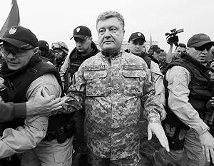 Так сейчас выглядит охрана Порошенко – и это совсем не люди, которые охраняли Януковича