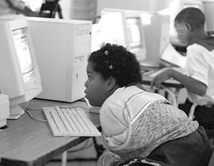 Половина компьютеров, установленных в официальных учреждениях Кубы, будет переведена на операционную систему Linux