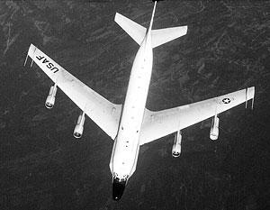 Американский самолет-разведчик нарушил воздушное пространство Швеции, чтобы увернуться от столкновения с истребителями России