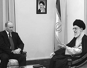 Единственная встреча руководителей России и Ирана состоялась ровно семь лет назад – 16 октября 2007 года. Путин и аятолла Хаменеи в Тегеране