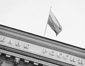 На рубль сильно давят дешевеющая нефть и геополитика