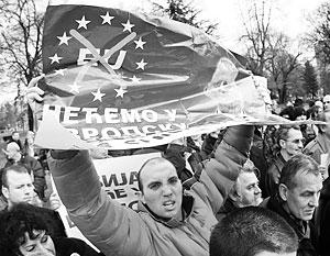 В сербском обществе сохраняется память о событиях 90-х годов и о том, какую роль сыграли в них «европейские партнеры»