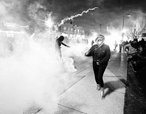 Фергюсон вновь охвачен хаосом и насилием