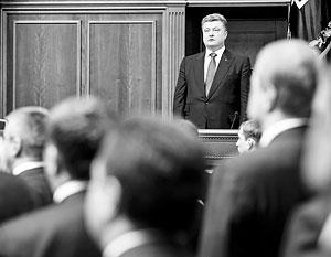 Петр Порошенко пообещал избавиться от своих бизнес-активов сразу после избрания президентом, но свое обещание так и не выполнил