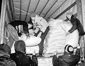 Огромное количество помощи идет с юга России, много из Москвы, с Урала. Немало волонтеров с Украины