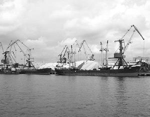 Судно с турецким экипажем задержано в порту Херсона