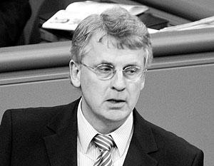 Не так давно Вельман возглавил «Агентство по модернизации Украины», учрежденное олигархами Фирташем, Ахметовым и Пинчуком