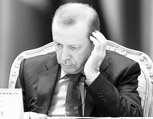 По мнению экспертов, президент Эрдоган пока думает над тем, что делать Турции после решения России вывести группировку из Сирии
