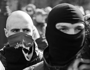 Боевики «Правого сектора» впервые вступили в полномасштабные бои с частями МВД Украины