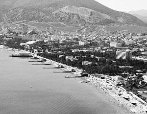 «Крым – это открытая территория, туда могут приехать все желающие», – подчеркивает сенатор Антон Беляков