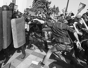 Конституционная реформа обернулась беспорядками, невиданными со времен Майдана