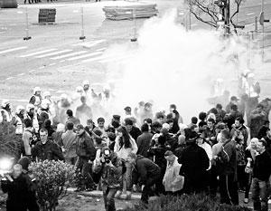 В ходе беспорядков были задержаны 1,2 тыс. человек, один человек убит