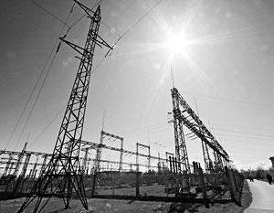 Украина сама сильно зависит от поставок энергии из России, поэтому отключение Крыма от энергоснабжения чревато для Киева непредсказуемыми последствиями