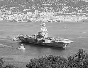 «Шарль де Голль» прикрывают корабли и самолеты из разных стран