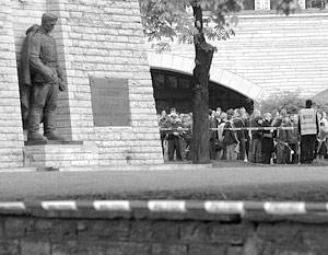 В среду Министерство обороны Эстонии объявило о дате начала раскопок на месте мемориала в центре Таллина