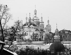 Для православных лавра – это святыня, в которой покоятся десятки русских святых, в том числе былинный богатырь Илья Муромец