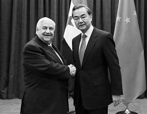 Китай интересует сирийская нефть (на фото - глава МИД Сирии аль-Муаллем и его китайский коллега Ван И)