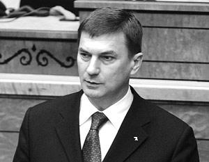 Эстонский премьер Андрус Ансип заявил, что «в центре Таллина захоронены пьяницы и мародеры»