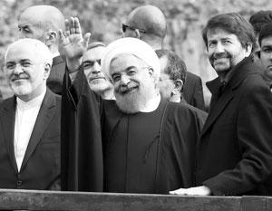 Президент Хасан Роухани празднует победу своих сторонников