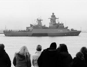 Германские военные корабли участвуют в миссии по спасению беженцев, переправляющихся через Турцию в Европу