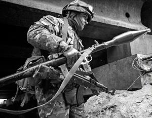 Бойцы ВСУ вот уже несколько дней ведут бои за контроль над нейтральной зоной в районе Ясиноватой