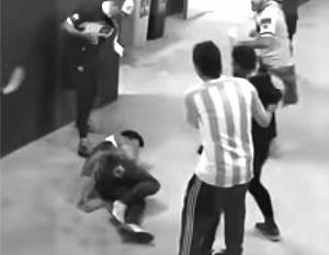 Затеявшие драку аргентинские болельщики навредили своей стране, а не России