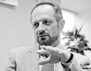 Роман Бессмертный объясняет свое увольнение «концептуальными разногласиями» с Порошенко