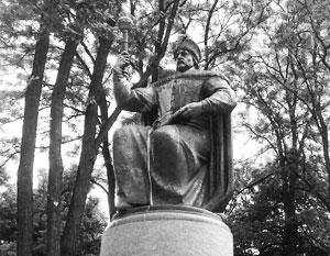 «Окрашивание» памятника Мазепе может быть признаком недовольства героизацией спорных фигур украинской истории, полагают эксперты