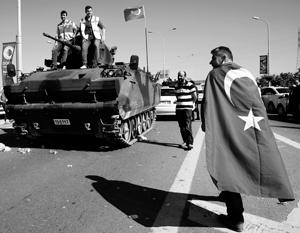 Западные СМИ не исключают роль США в попытке переворота в Турции