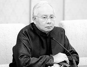 Премьер-министра Малайзии Наджиба Разака обвиняют в том числе в том, что деньги, «позаимствованные» из фонда развития, были потрачены на съемки фильма «Волк с Уолл-стрит»