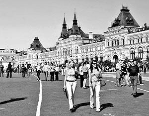С пришествием жары многие жители мегаполиса задумаются о загородном доме в качестве альтернативы московской квартире