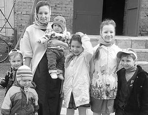 У Анны Кузнецовой четыре мальчика и две девочки
