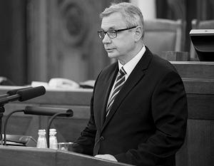 Латвийские русские зовут министра образования Черным Карлисом