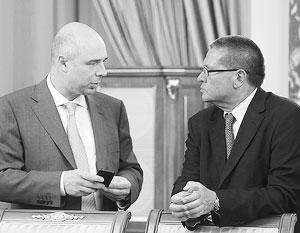 Улюкаев сразу после назначения главой МЭР – с министром финансов Антоном Силуановым (слева)