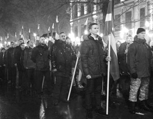 В латышских шествиях ультраправых участвуют не только латыши, но и русские