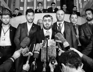 Мухаммед Аллуш стал одним из самых скандальных участников переговоров, благо на его группировке и так клейма негде ставить