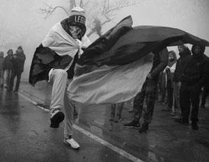 Редкие акции польских националистов проходят без уничтожения украинских флагов
