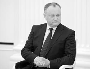 Президент Молдавии демонстративно подписал указ о проведении референдума по расширению собственных полномочий