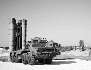 Развернутые в Сирии российские комплексы ПВО, в том числе ЗРК С-400, находились слишком далеко от базы Шайрат
