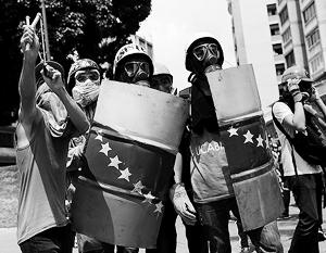 Ведение бизнеса в переживающей политический и экономический кризис Венесуэле становится все более рискованным