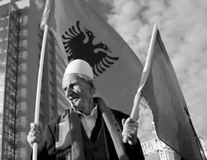 Ранее умеренные политики хоть как-то ограничивали радикалов в Приштине