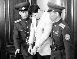 На суде в Пхеньяне американец демонстрировал признание вины и раскаяние в содеянном