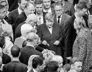 Меркель разрешила своим однопартийцам побороться за права секс-меньшинств